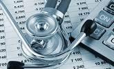 stethoscoop en rekenmachine bij letselschaderecht